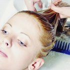 Cómo utilizar jabón de platos Dawn para aclarar el cabello