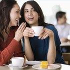 Cómo saber si una persona está hablando a espaldas de alguien