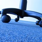 Cómo limpiar las ruedas de muebles rodantes