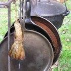 Cómo limpiar el óxido de las ollas de hierro forjado