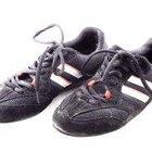 Cómo limpiar los zapatos deportivos con mal olor