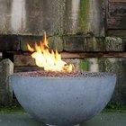 Como fazer uma bacia de concreto com uma fenda para suportar uma fogueira
