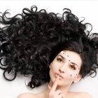 Cómo hacer una permanente a las extensiones de cabello