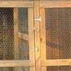 Como construir um portão simples usando tela de galinheiro
