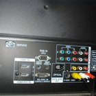 Como instalar alto-falantes em uma TV