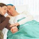 Cómo reconfortar a un amigo o pariente enfermo