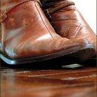 Cómo quitar manchas de aceite de botas de cuero