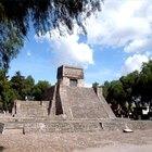 Sobre las pirámides aztecas