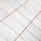 Cómo cambiar el color de la lechada en un piso de baldosa