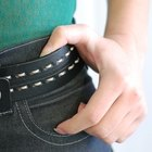 Cómo evitar que los jeans negros de destiñan