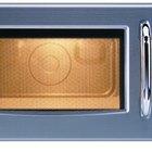Cómo cocinar una pizza congelada en un microondas