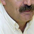 Cómo recortar y encerar un bigote