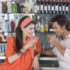 Cómo saber si un hombre se siente atraído por una mujer