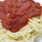 Spaghetti with minced beef tomato