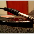 What Is the Difference Between Guitar Cables & Speaker Cables?