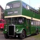 Qual o tamanho de um ônibus de dois andares?