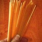 Cómo cocinar espagueti en un microondas