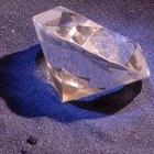 How to determine diamond carat size