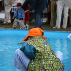 Diferencia entre el blanqueador líquido y el cloro para la piscina