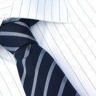 Corbatas que combinan con camisas a rayas