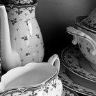 Como saber se pratos de louça antigos são valiosos