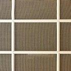 El mejor método para limpiar las mosquiteras de puertas y ventanas