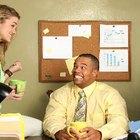 Cómo coquetear con un compañero de trabajo