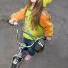 Cómo enseñar a un niño de 5 años a andar en una bicicleta sin ruedas entrenadoras