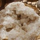 Quais as diferenças entre quartzo e cristais de rocha?