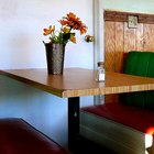 Como limpar mesas de restaurantes