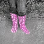 How to Stop Rubber Rain Boots From Squeaking