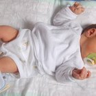 Cómo enseñar a un bebé a voltearse