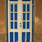 ¿Para qué lado se debería abrir una puerta?