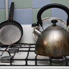 Como limpar óleo derramado em um fogão à gás