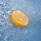 Agua con limón para la desintoxicación del hígado
