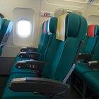 Como colocar o cinto de segurança em um avião