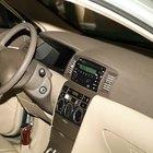 Como ajustar o relógio do rádio para carros Pioneer