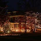 Cómo instalar luces de exterior de LED en Navidad
