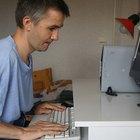 Cómo construir un escritorio para computadora de madera contrachapada