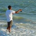 Pesca en las olas en Gulf Shores, Alabama