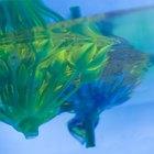 Cómo separar aceite y colorante alimentario del agua