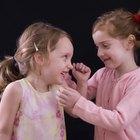 Cómo ayudar a una niña de 8 años a hacer amigos