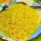 Cómo cocinar arroz con hierbas o especias