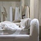 Ideas para pintar un dormitorio principal que tiene muebles blancos