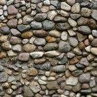 Cómo construir un medio muro de piedra usando mortero