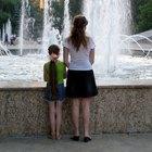 ¿Cuáles son los derechos de la madre cuando la paternidad no se establece hasta que el hijo es un adulto?
