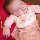 Cómo colocar a la bebé en la cuna sin que se despierte