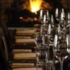 Dinner Party Games to Play at a Restaurant