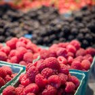 Mixed berries also contain soluble fiber.