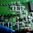 Como identificar componentes defeituosos em uma placa de circuito impresso